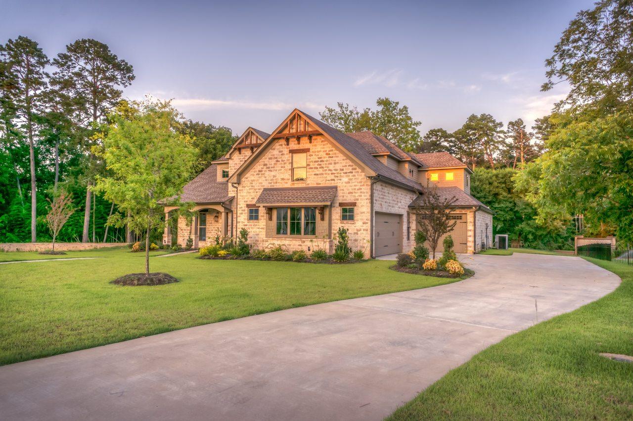 Sprzedanie mieszkania domu lub innej nieruchomości, to trudna sztuka | Biuro Nieruchomości Warszawa